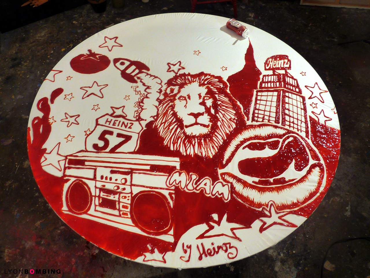 Peinture au ketchup Heinz