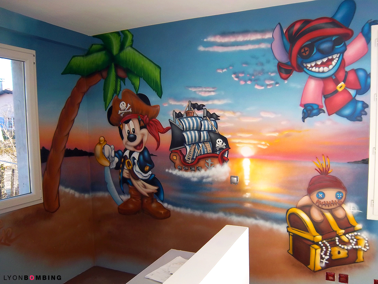 CHAMBRE PIRATE MICKEY & STITCH - LYONBOMBING