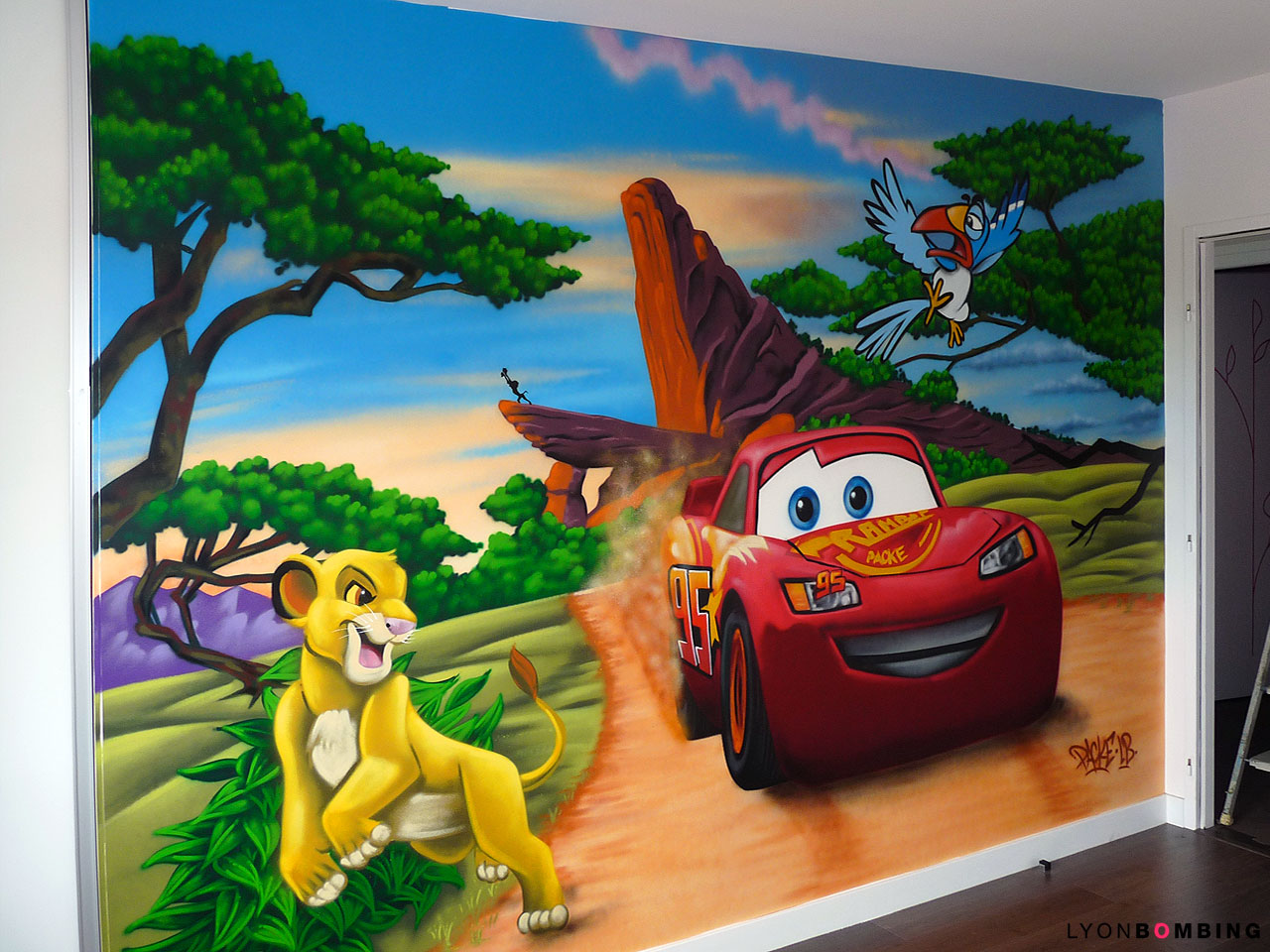 CHAMBRE CARS VS ROI LION