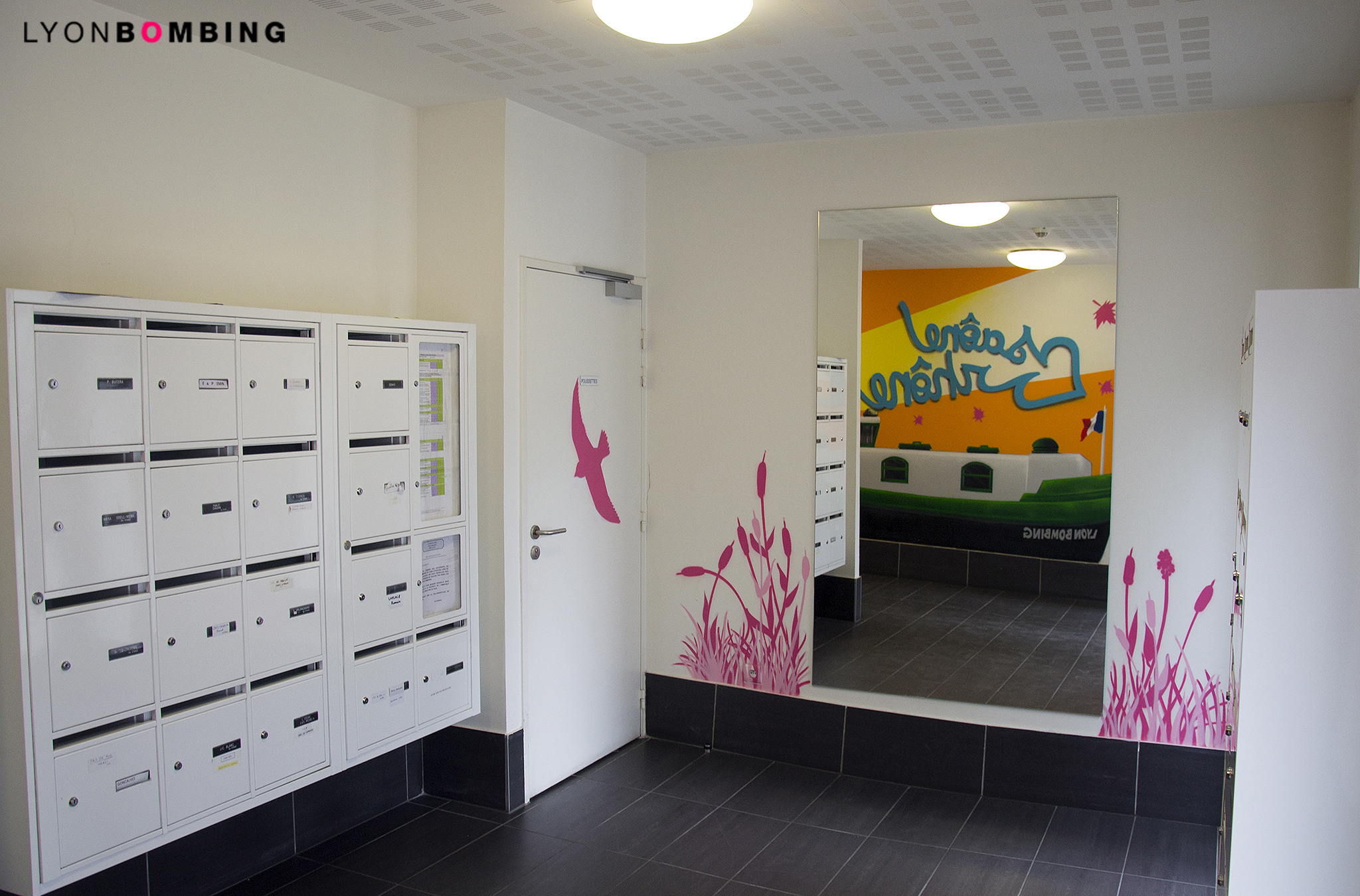 decoration-graffiti-fresque-murale-allee-d-immeuble
